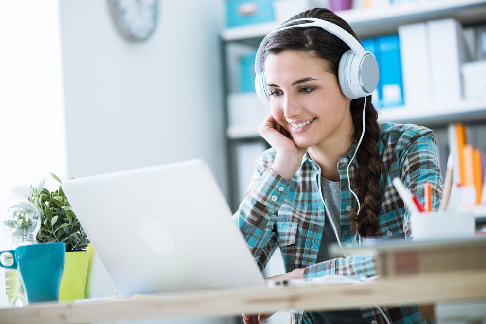 کلاس آنلاین زبان در منزل